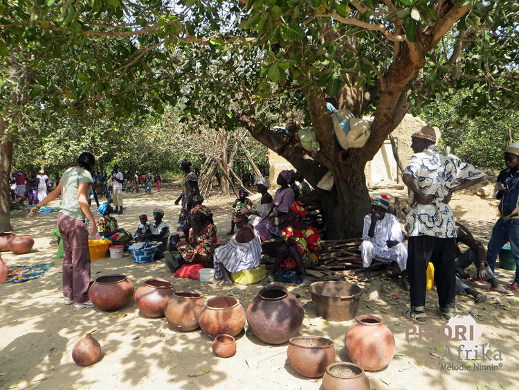 Guinea Bissau Elia Reisen PRIORI Afrika Töpfe Markt